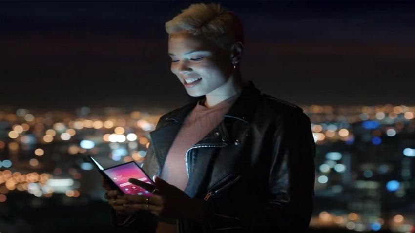 انتشار ویدئویی از گوشی تاشوی سامسونگ با  قابلیت ها و ویژگی های متمایز و جدید