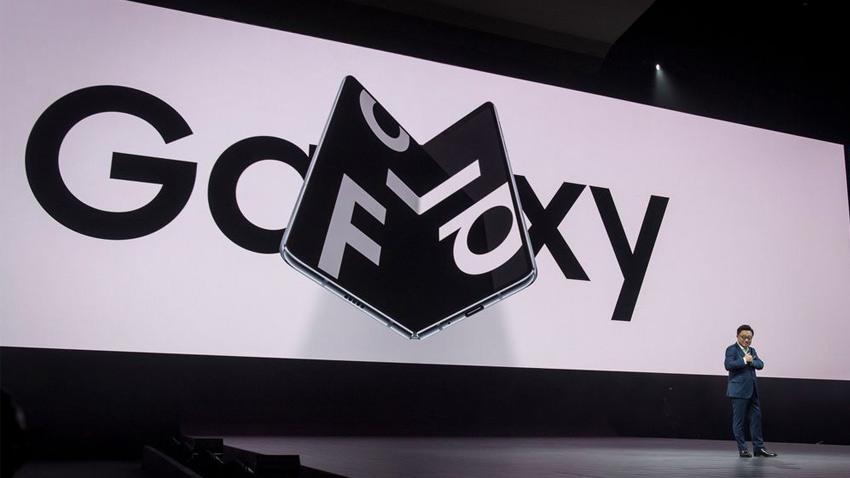 سامسونگ در حال تولید دوگوشی تاشوی جدید علاوه بر گلکسی فولد با قابلیت های جدید
