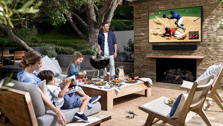 رونمایی از اولین تلویزیون Outdoor 4K QLED سامسونگ با قابلیت های جدید