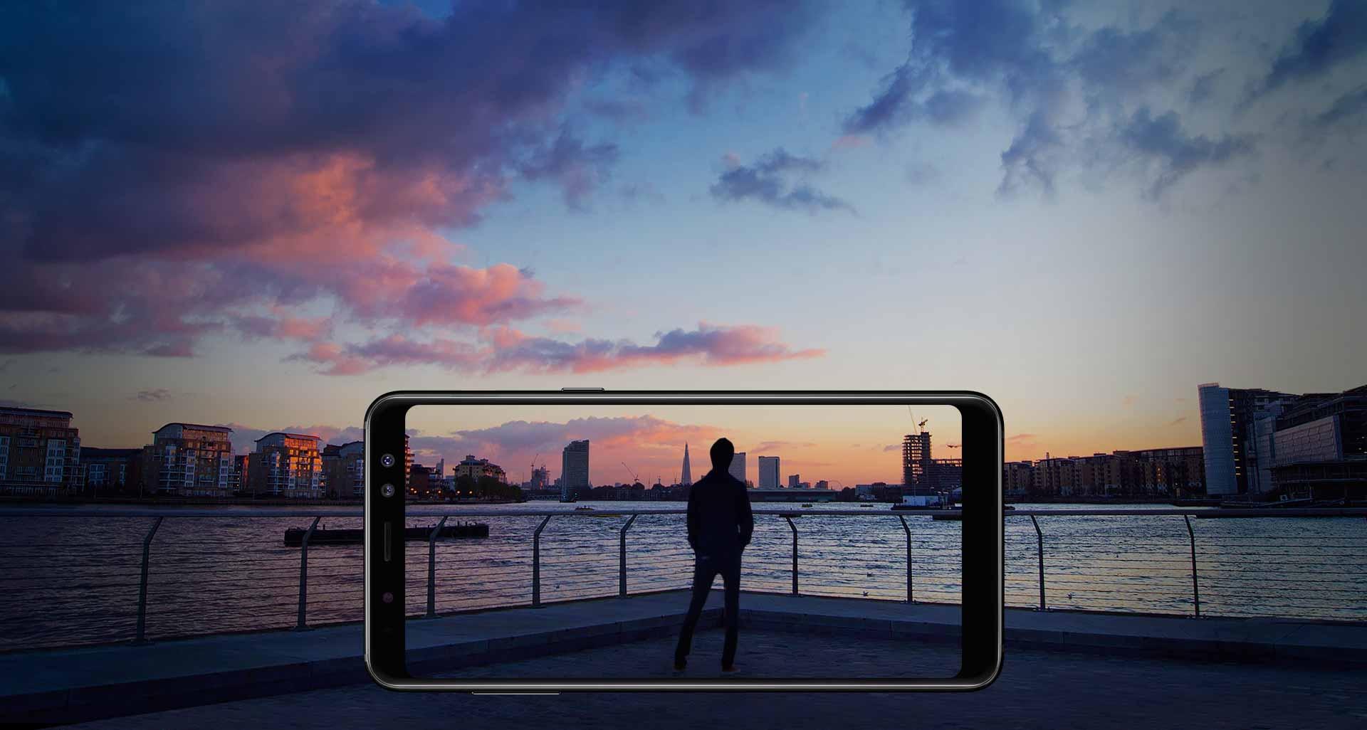 دید گسترده با نمایشگر Infinity گوشی گلکسی ای 8 2018 سامسونگ