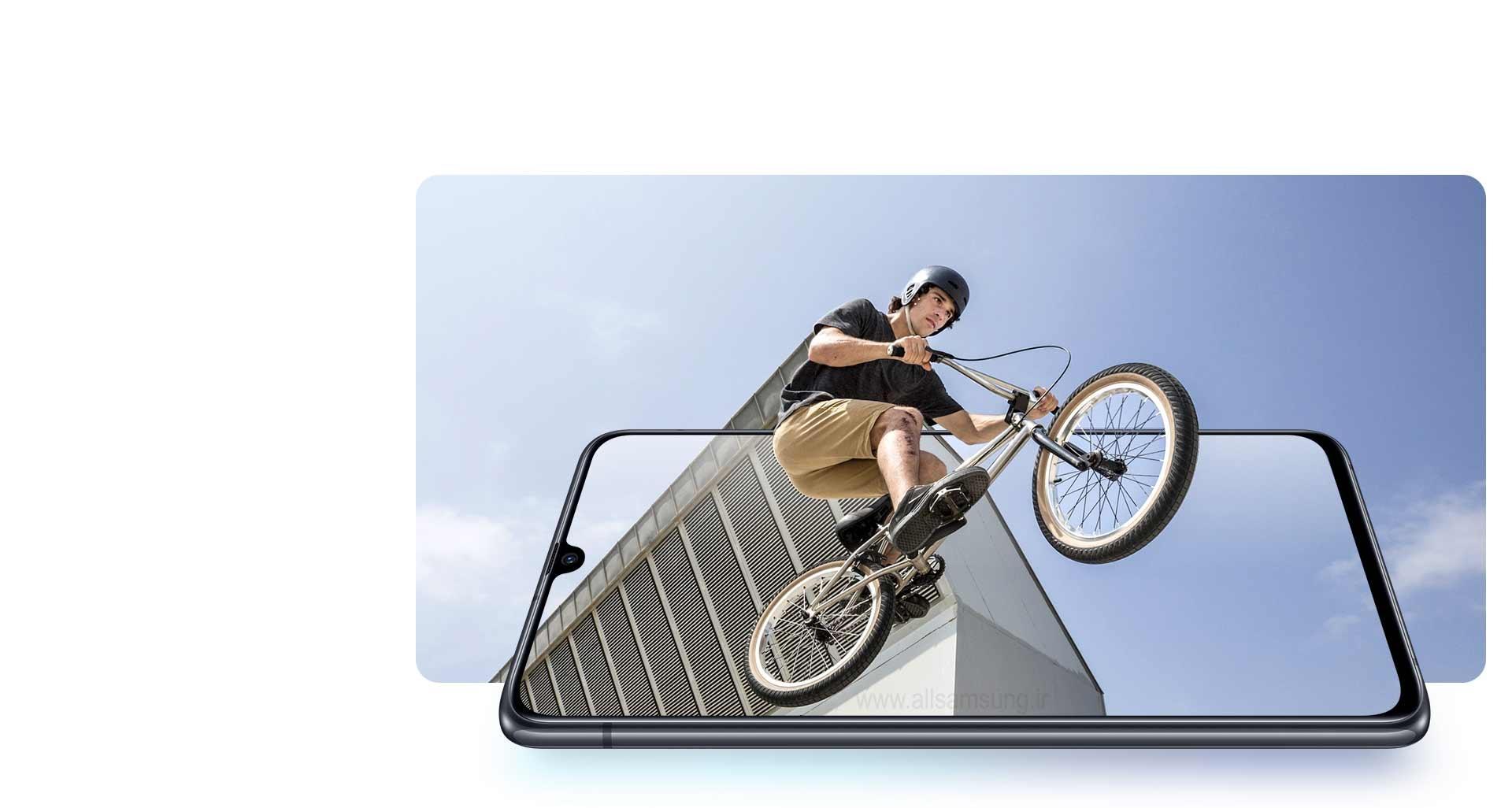 گوشی سامسونگ گلکسی A90 با صفحه نمایش طراحی شده با فضای بیشتر